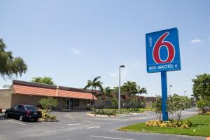 Photo of Motel 6 Miami
