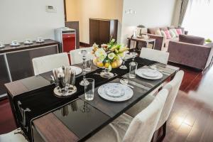 Shanghai Yopark 5-Star Apartment (Regency Park)