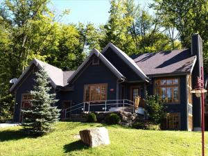 Five-Bedroom Chalet (16 Adults)