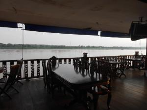 Mekong Breeze Hotel