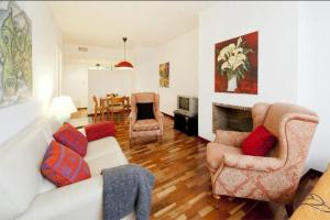 Photo of Sweet Bcn Apartments