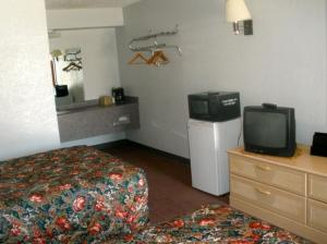 Double Room with One Double Bed - Non-Smoking