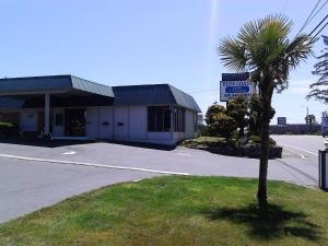 Blue Coast Inn & Suites