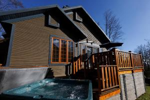 Four-Bedroom Chalet (13 Adults)