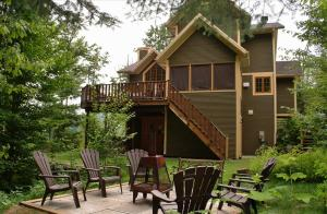 Superior Four-Bedroom Chalet (14 Adults)