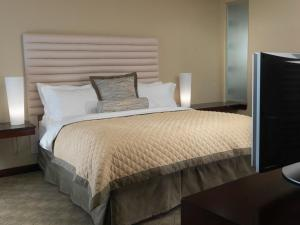 Queen Room with Two Queen Beds ( 4 Adults)