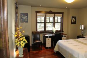 Queen Room with En-suite