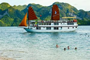 Halong Phoenix Luxury Cruiser