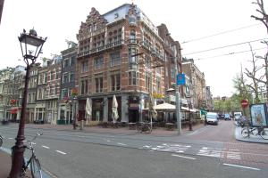 Photo of City Hotel