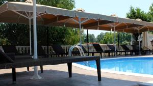 Zeus Hotel, Hotely  Platamonas - big - 61