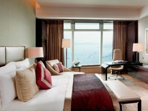 Quarto Club Deluxe com Cama King-size e Vista Mar