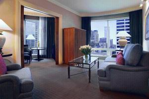 Executive Suite (3 Adults)