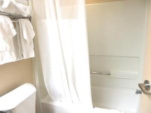 Suite King com Vista Piscina - Sofá-Cama
