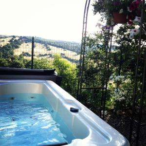 Le Tartarughe B&B, Bed & Breakfasts  Magliano in Toscana - big - 44