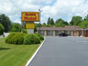 Photo of Acorn Motel   Black Mountain