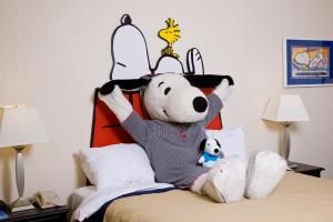 Camp Snoopy Double Queen Room