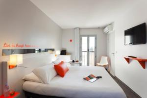 Photo of Ibis Styles Antibes Juan Les Pins