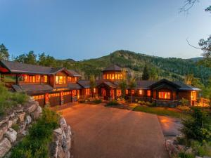 Luxury Ski In/Out Homes At Canyons Resort By Utopian