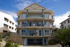 Photo of Pacific Waves Apartments