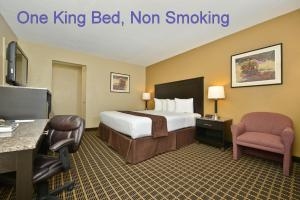 King Room with One King Bed and Two Queen Beds- Non-Smoking