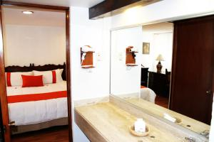 One-Bedroom Suite (1-2 Adults)
