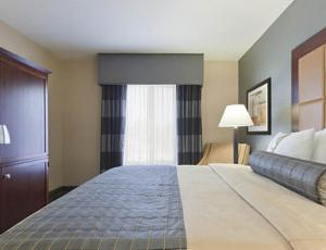 Holiday Inn Hotel & Suites Stockbridge/Atlanta I-75 - Stockbridge, GA 30281 - Photo Album