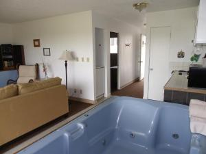 King Room with Spa Bath