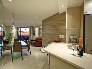 Luxury Two-Bedroom Apartment with Ocean View