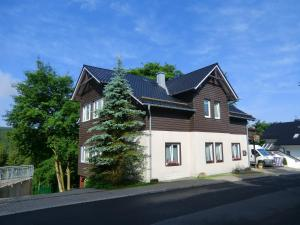 Pension Oberhof 810 M
