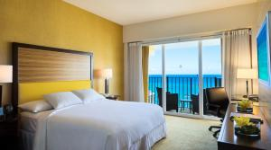 Deluxe King Room with Ocean View  (No Resort Fee)