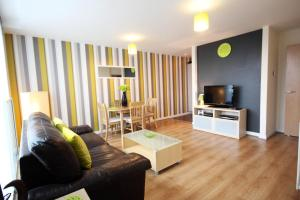 Prime Location Lets The Hub Apartments
