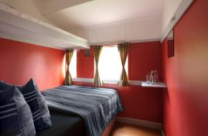 Double Train Compartment with Shared Bathroom