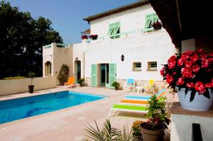 Photo of La Villa Des 4 Temps