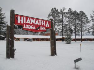 Hiawatha Lodge Inn