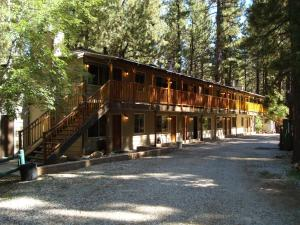 Photo of Goldmine Lodge & Black Bear Cottages