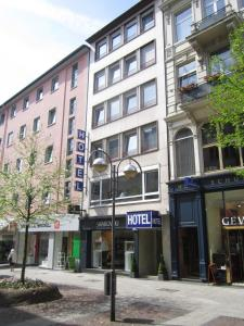 Photo of City Centre Hotel Neue KrÄme Am Römer