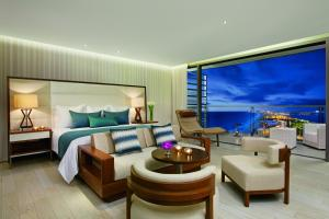 Junior Suite Ocean View King
