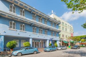 Photo of Hotel 81 Classic
