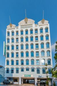 Photo of Hotel 81 Palace