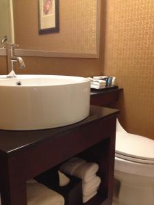 Standard King Room with Bath Tub - Disability Access