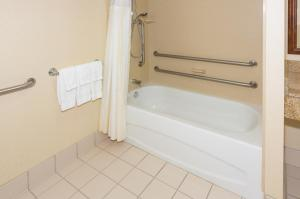 Standard Double Room with Bath - Disability Access