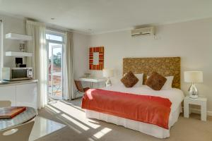 Double or Twin Room with Balcony - 2