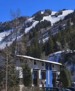Photo of St Moritz Lodge And Condominiums