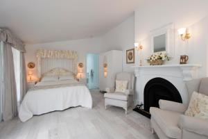 Photo of White Dove Cottage Bed And Breakfast