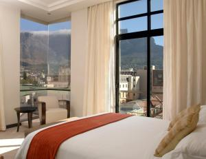 Luxury King Room with Mountain View