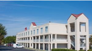 Photo of Quality Roof Inn Montgomery