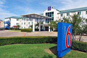 Motel 6 Irving   Dallas Fort Worth International Airport North