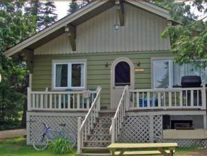 Superior Three-Bedroom Cottage (6 Adults)