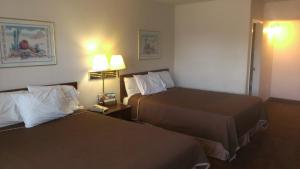 Mesa Travelodge - Mesa, AZ 85210 - Photo Album