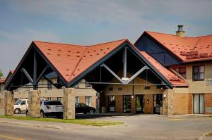 Photo of Lakeview Inn & Suites   Thompson